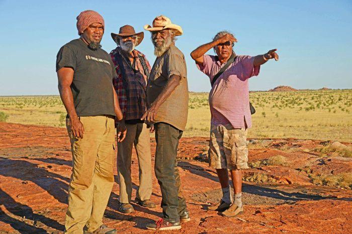 Elder's Survey the Site Photo: Central Land Council