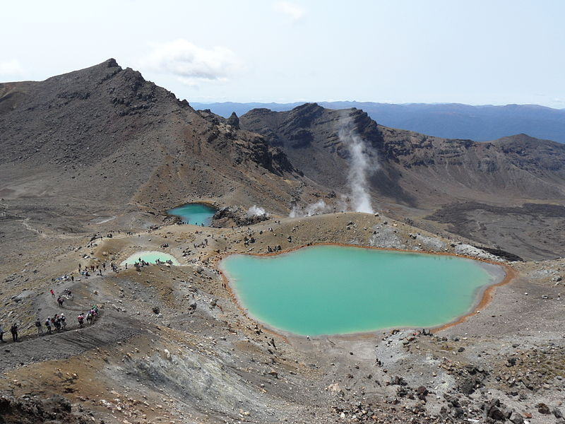 Tongariro's Emerald Lakes and Hikers